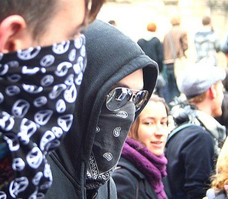 מפגינים בוועידת ה-G20. Flickr, velsfi. CC by AC